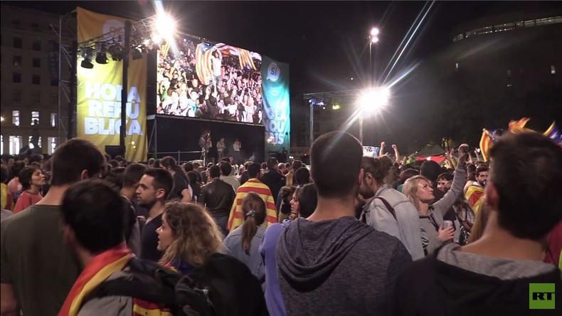 Barcelona: Katalanen feiern historisches Ja-Ergebnis bei Volksabstimmung über Unabhängigkeit