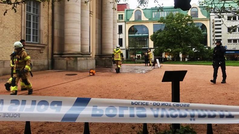 """Es gibt ja Kerzen da drin"": Mann gerät in Göteborger Dom in Brand"