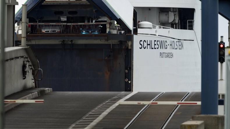Wie Sardinen in der Dose: Polizei staunt über Transporter mit 19 Insassen