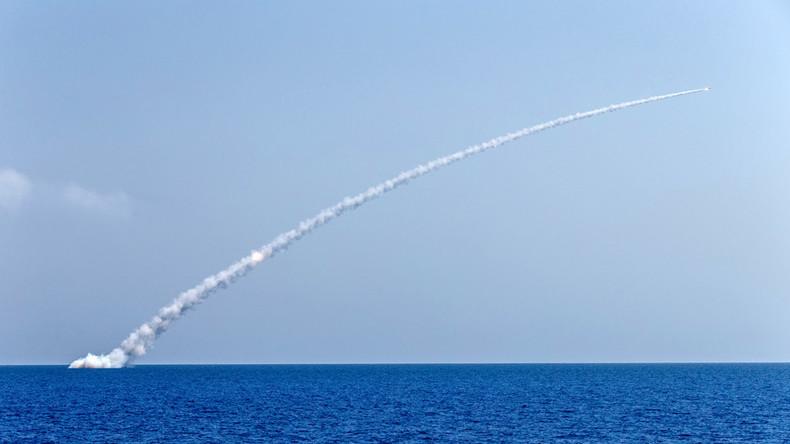 Russische U-Boote feuern Raketen auf IS-Objekte in Syrien