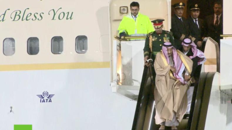 Russland: Saudischer König muss Treppen laufen - Panne am Flughafen bei historischem Besuch