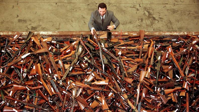 Australier trennen sich von 50.000 Schusswaffen während Amnestie