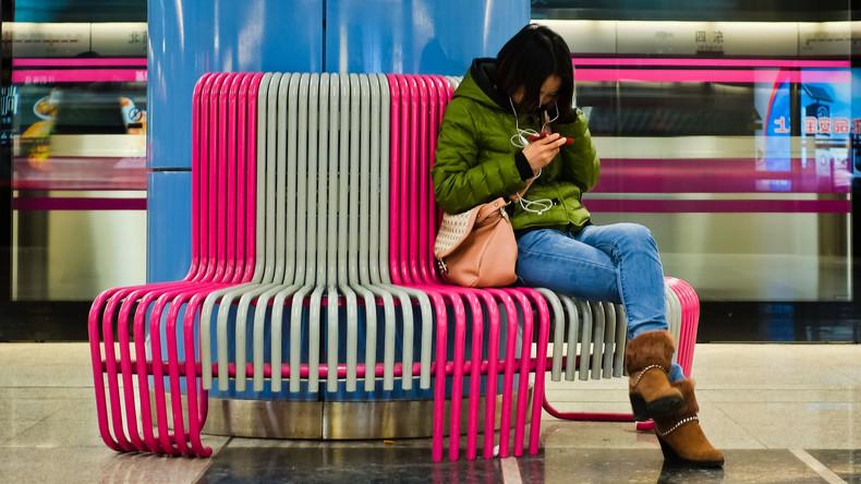 Chinesin spielt nonstop mit Handy und erblindet