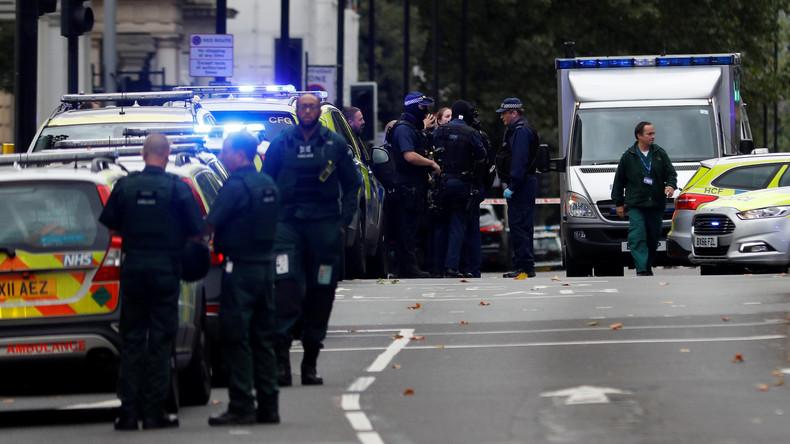 Auto fährt in London Fußgänger an - mehrere Verletzte