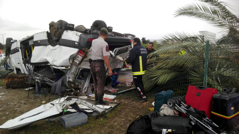 Antalya: Drei Deutsche sterben bei Busunfall