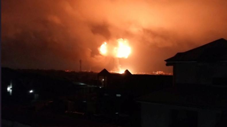 Explosionen an Tankstelle in Ghana: Mindestens fünf Tote und 45 Verletzte [VIDEO]