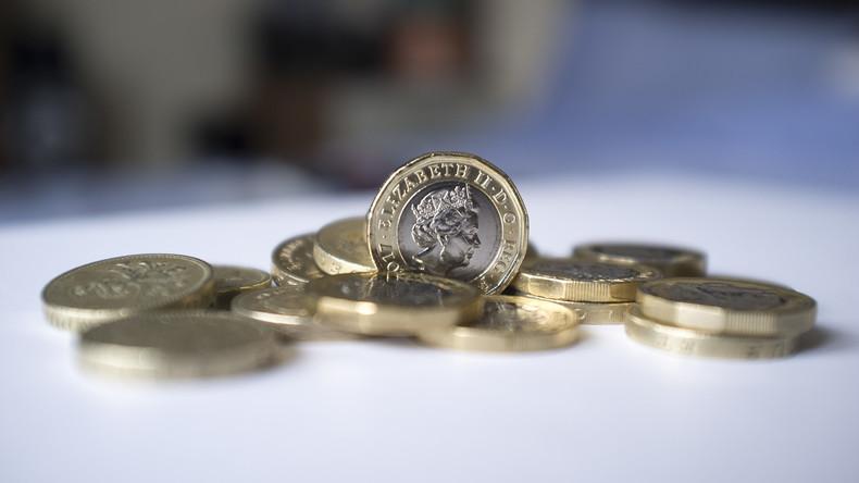 Briten trennen sich von rundem Pfund: Umgetauschte Münzen wiegen wie 3.500 Elefanten