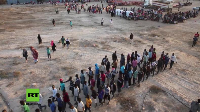 Libyen: 4.000 Migranten aus Schmugglerlagern befreit