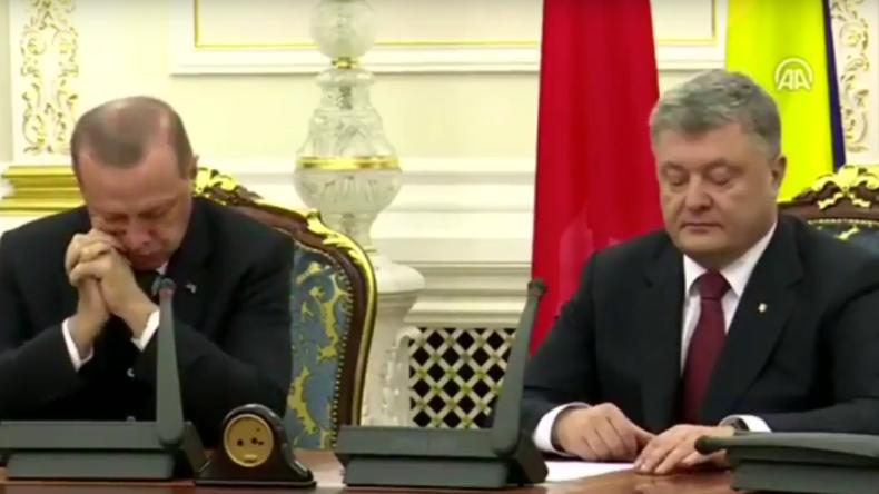 Pressekonferenz: Poroschenkos Wehklagen über Krim und Russland lässt Erdogan einschlafen