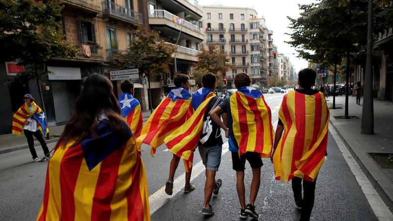LIVE: Unterstützer der Unabhängigkeit Kataloniens demonstrieren in Barcelona