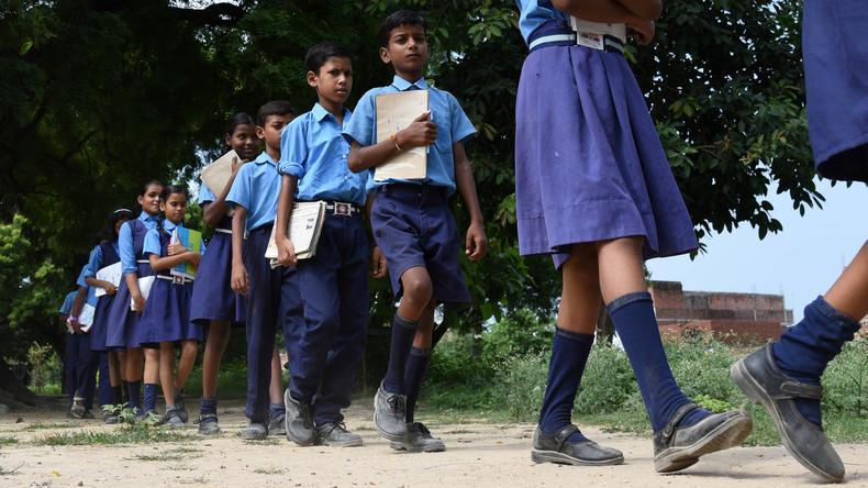 Indische Fabrik verbrennt Abfälle und verursacht Massenvergiftung bei Schülern