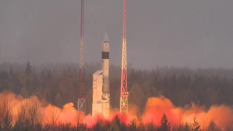 Umweltsatellit Sentinel-5P ins All befördert