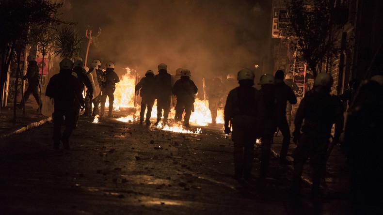 Erneut Chaosnacht im Athener Viertel Exarchia - Touristen schauen zu