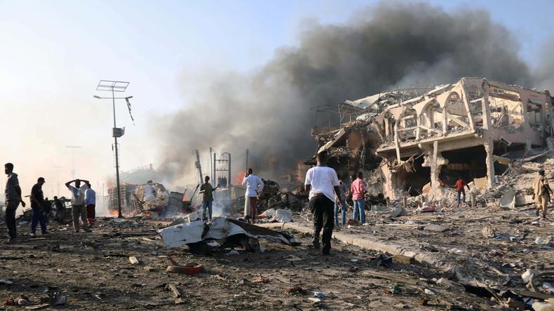 Mehr als 20 Menschen sterben bei Selbstmordanschlag in Mogadischu