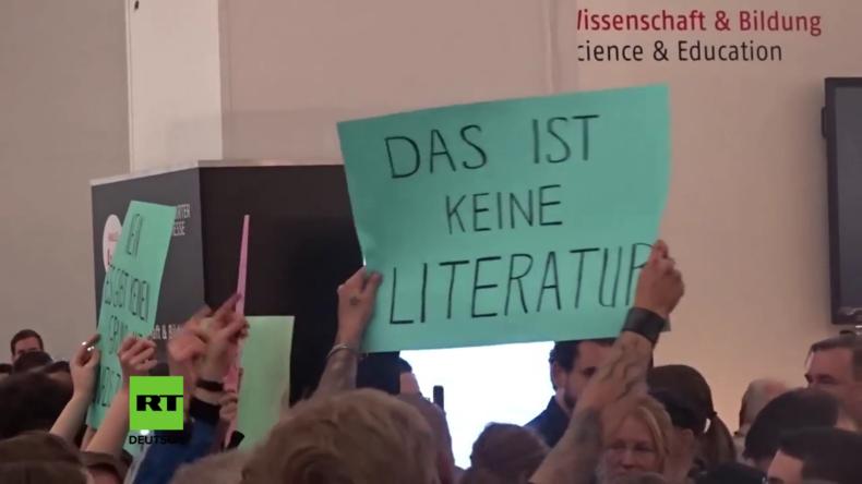 Deutschland: Tumulte an der Frankfurter Buchmesse gegen rechtsgerichteten Verlag