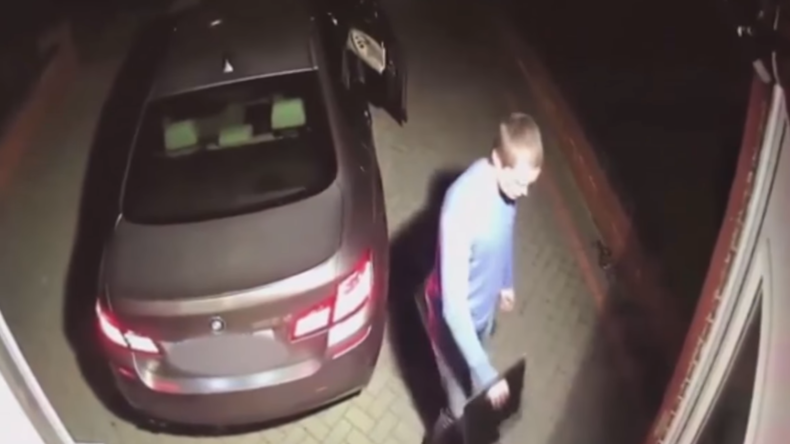 Neues Auto blitzschnell weg: Diebe knacken BMW innerhalb einer Minute mit Technik aus Darknet