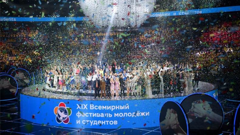 """""""Vereint durch die Macht eines Traumes"""": Weltfestspiele der Jugend in Russland eröffnet"""