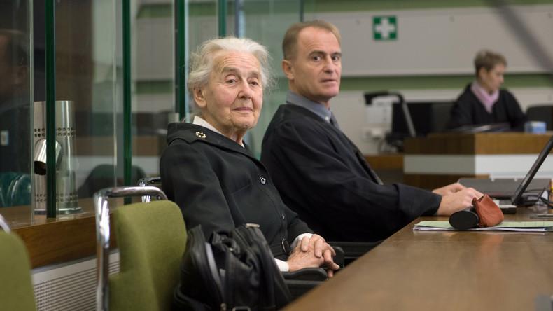 """""""In Auschwitz gab es keine Vergasung"""": Notorische Holocaust-Leugnerin kehrt ins Gefängnis zurück"""