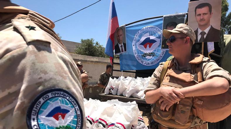Russisches Militär liefert Lebensmittel in die kürzlich befreite syrische Provinz al-Quneitra