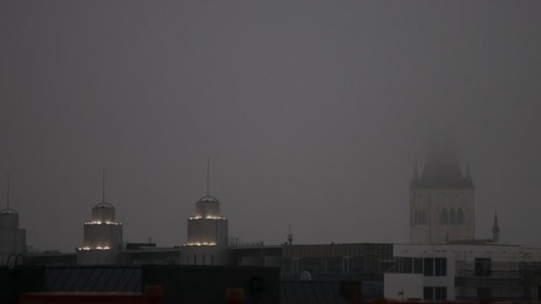 Schwarzer Regen überrascht Einwohner Estlands [FOTOS]