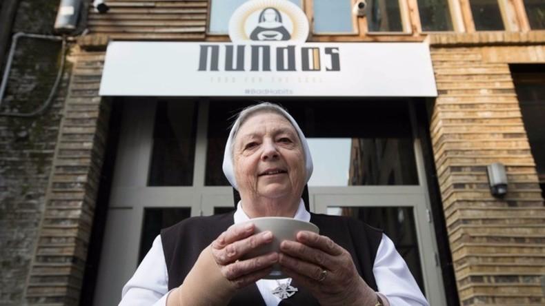 Nahrung für die Seele: Nonnen eröffnen dreitägiges Café mit kostenfreiem Essen in London [VIDEO]
