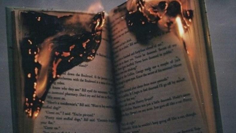"""Neue Auflage von """"Fahrenheit 451"""" nur über offener Flamme lesbar"""