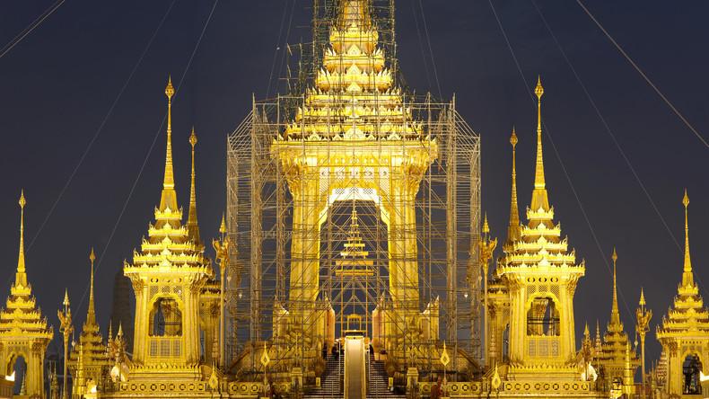 Riesenkrematorium für Thailands verstorbenen König ist vollendet