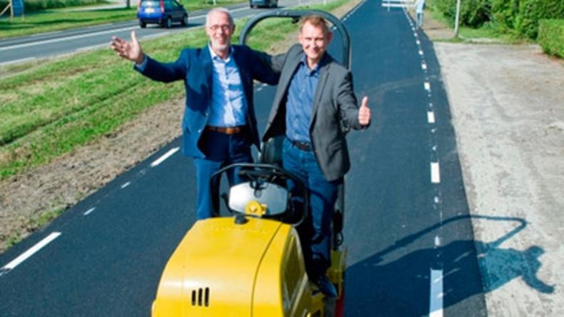 Erste Straße mit Deckschicht aus gebrauchtem Klopapier in den Niederlanden gebaut