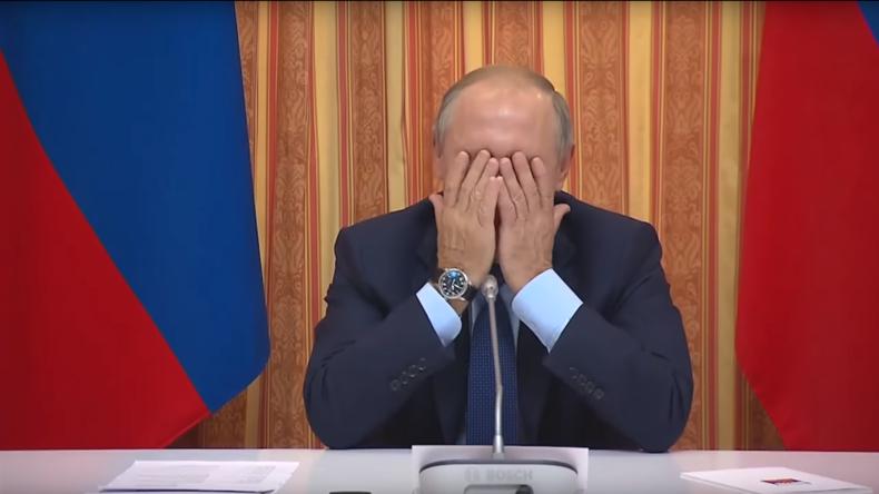 "Indonesien oder Südkorea? ""Ist doch egal!"" – Putin korrigiert Ministers Fauxpas und zeigt ""Facepalm"""