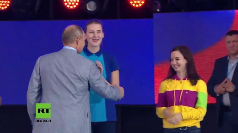 Putin verabschiedet Teilnehmer des Weltjugend- und Studentenfestivals