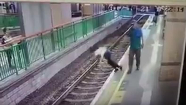 Hongkong: Mann schubst Reinigungskraft kaltblütig ins Gleisbett