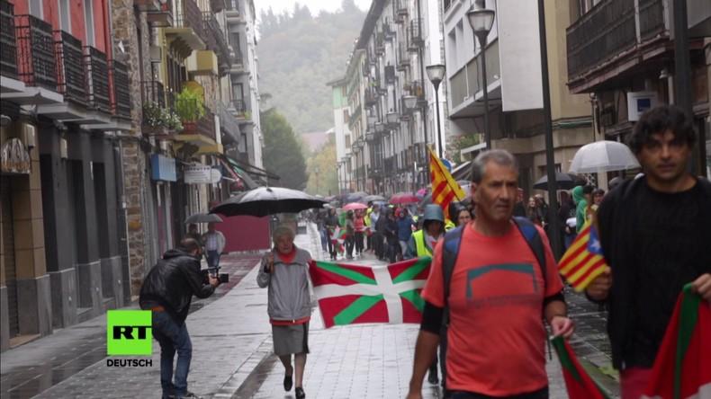 """""""Wir alle sind Katalonien"""" – Baskische Menschenkette zur Unterstützung katalanischer Unabhängigkeit"""