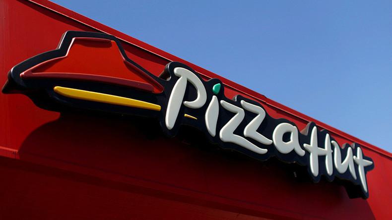 Pizza Hut beleidigt zum Tag des Stotterns Betroffene mit Werbung - Saudis empört