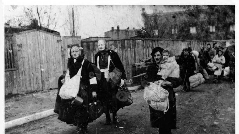 Holocaust-Bild um der Vertreibung von Ukrainern zu gedenken - Poroschenko irritiert auf Twitter