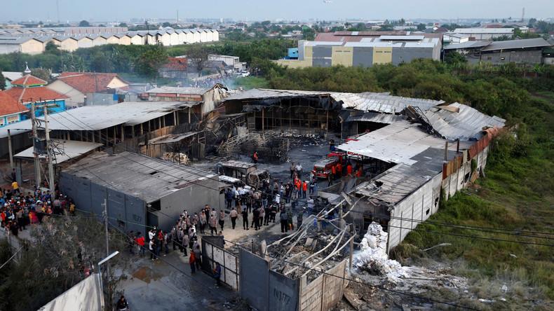 Explosion von Feuerwerksfabrik in Indonesien - 47 Tote