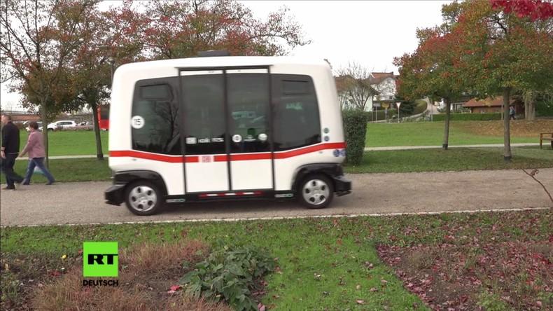 EasyTen: Deutschlands erster selbstfahrender Bus geht in Bayern auf die Straße