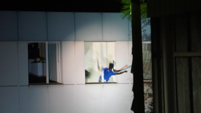 Asylbewerber stürzt sich aus Angst vor Abschiebung aus dem Fenster