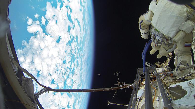 Papst Franziskus telefoniert erstmals ins Weltall