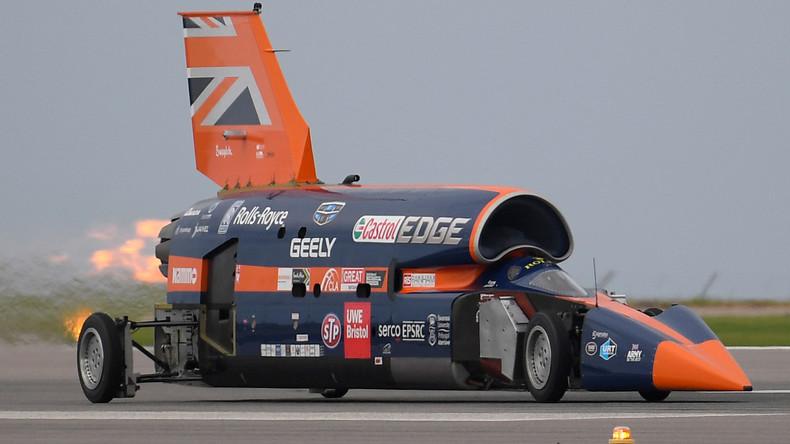 Erster öffentlicher Test von britischem Überschall-Auto durchgeführt