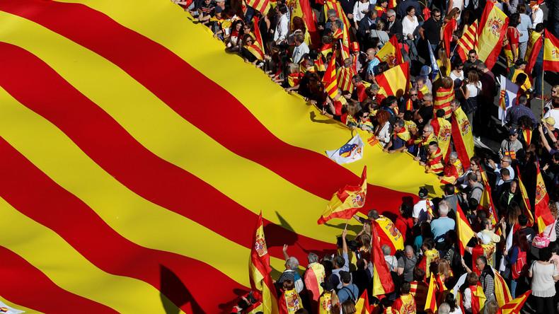 Tausende demonstrieren in Barcelona für Spaniens Einheit