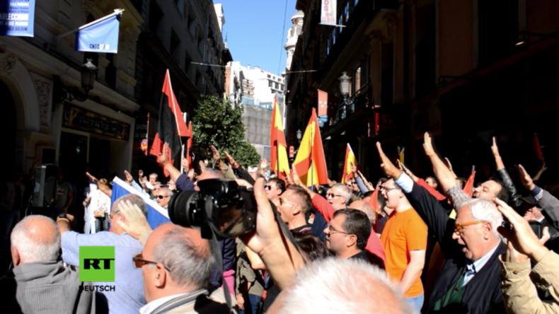 Madrid: Faschisten versammeln sich gegen Katalonien und erinnern an alte Zeiten