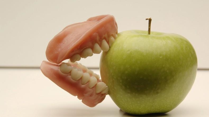 Chinesin klagt über Nasenbluten - schuld ist ein Zahn in der Nase