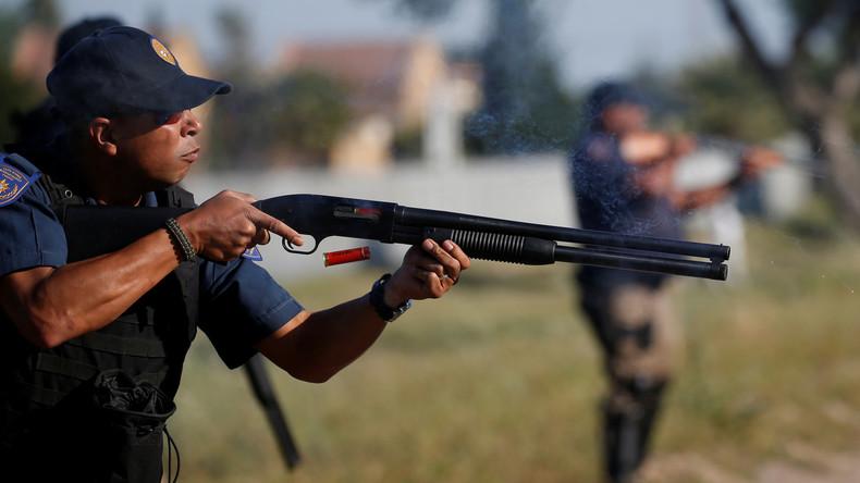 Südafrikas Polizei verliert seit 2014 gut 2.000 Dienstwaffen