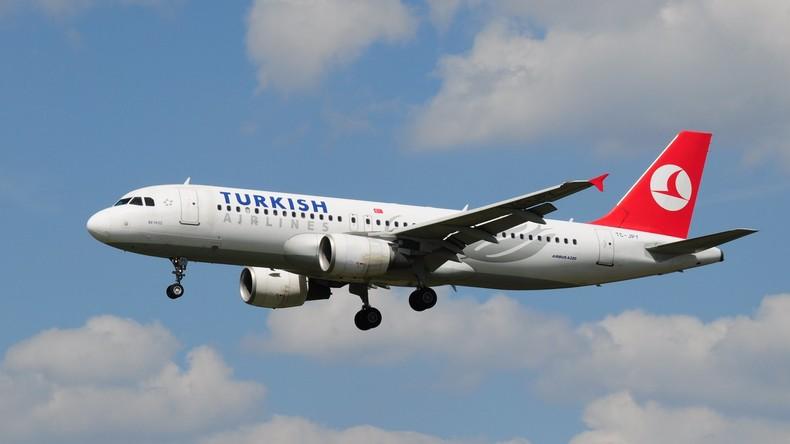Türkische Passagiermaschine aus Moskau wegen Bombendrohung in der Ukraine notgelandet