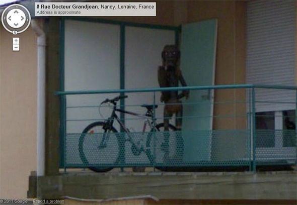Google Street View blendet Foto von mysteriösem Wesen aus