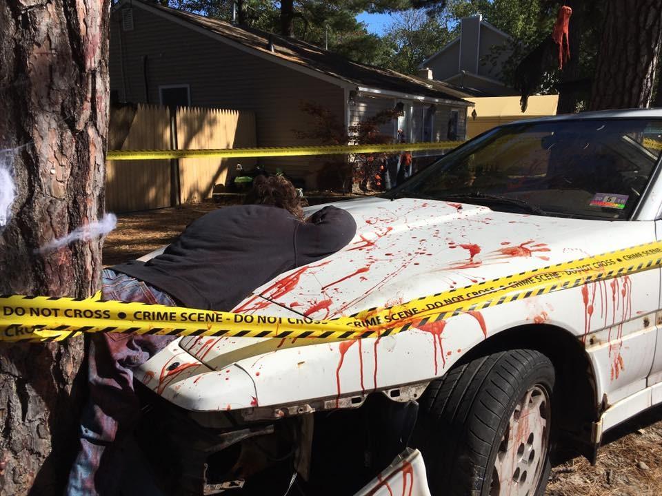 Blutiger Verkehrsunfall mit zwei Zombies schockiert New Jersey [FOTOS]