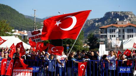 40 Menschen wegen Mordkomplotts gegen Erdogan in Putschnacht zu viermal lebenslanger Haft verurteilt