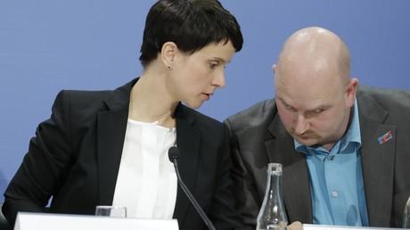 Petry nicht mehr allein: Weiterer AfD-Abgeordneter verlässt Bundestagsfraktion