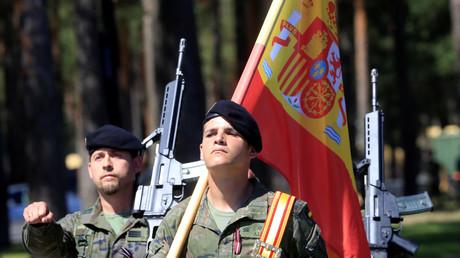 Symobolbild - Spanische Soldaten bei einer Parade am 19. Juli 2017