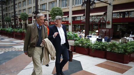 Armin-Paul Hampel (L) zusammen mit Jörg Meuthen (R).